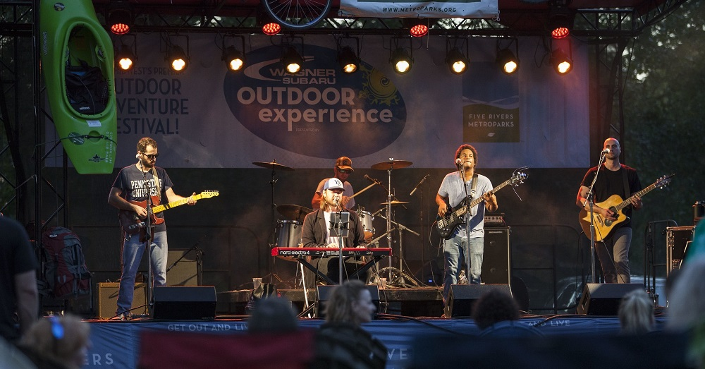 OutdoorX-MusicStage